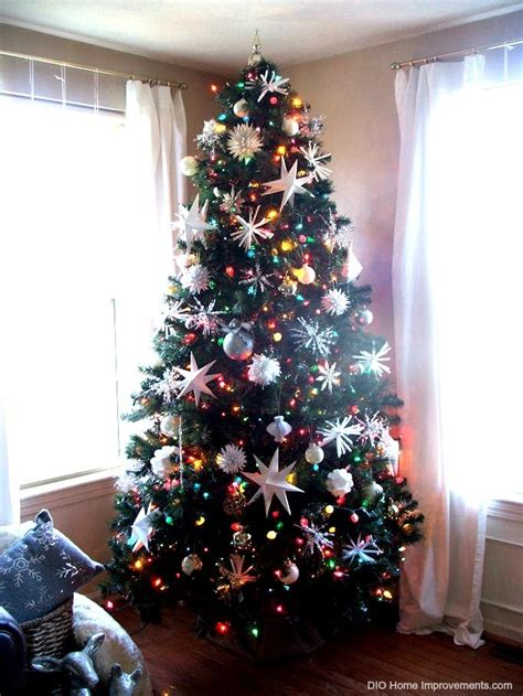 multi color christmas tree decorations white lights or multi color on your tree the dilemma is solved holidays