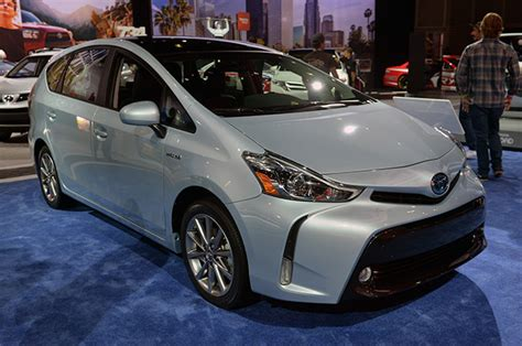 2015 Toyota Prius V 2015 Toyota Prius V Gets Updated Looks And Content
