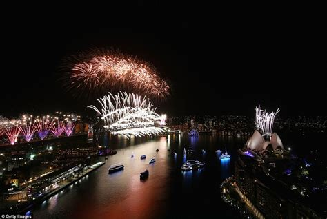 new year sydney australia sydney harbour s new year 2016 celebration explodes with