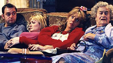 the royle family the new sofa famous sofas from tv and film
