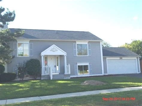 2385 blue spruce ln il 60502 foreclosed home