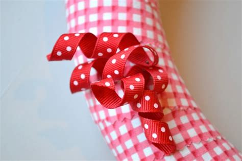 valentines day ribbon s day wreath using curled grosgrain ribbon