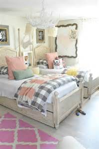 pictures of girls bedrooms 1000 ideas about shared room girls on pinterest shared