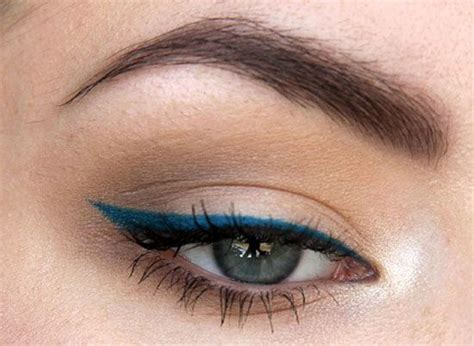 with eyeliner how to apply blue eyeliner perfectly 187 instaglam