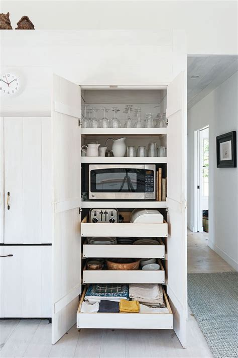 Microwave In Pantry by 25 Best Ideas About Microwave On