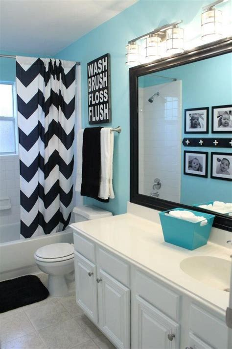 black white blue bathroom decorating ideas