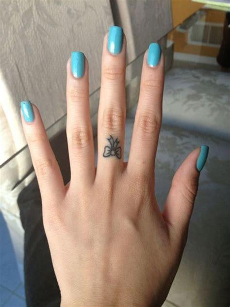tattoo on finger price 66 finger tattoos for women