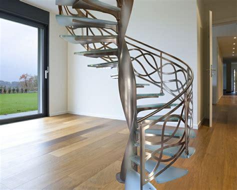 Maravillosa  Escalera En Madera #4: Escalera-caracol-aluminio-cristal-interiores-resized.jpg