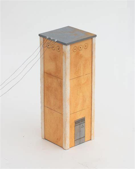 cabina enel cabina enel con fili e invecchiata realizzazione e