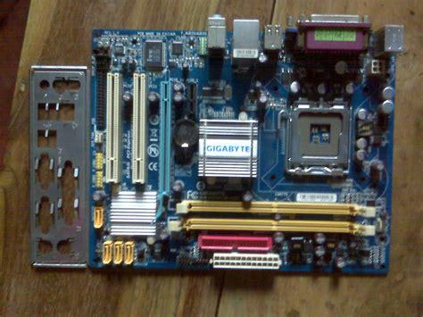 Ram 1 Giga gigabyte motherboard ga 945gcm s2c with 1 gb ddr2 ram clickbd