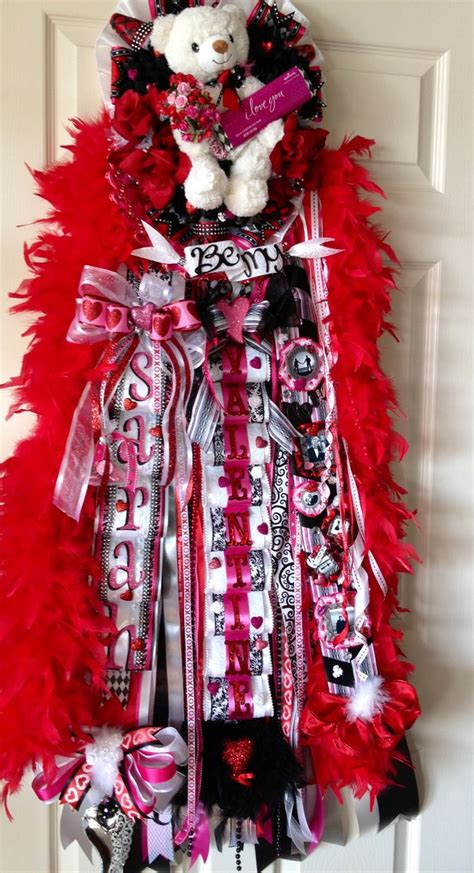 valentine for his sweetheart homecoming mum ideas