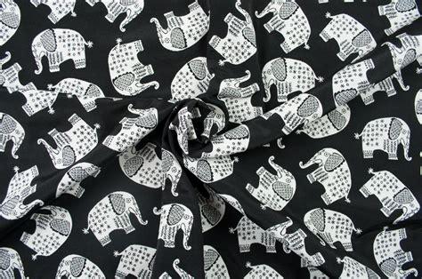 bergardinen schwarz wei jacquard dekostoff zweiseitig elefanten dessin