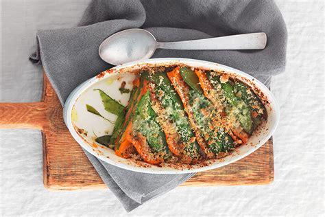ricette per cucinare le carote ricetta taccole e carote al pane aromatico la cucina
