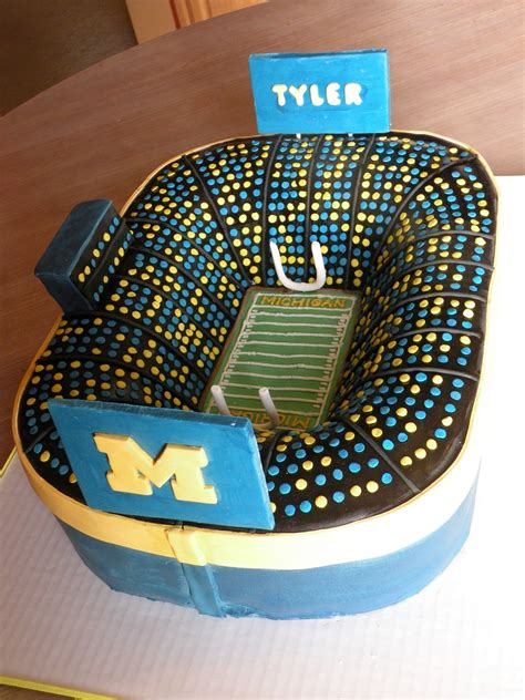 How To Make A Football Stadium Out Of Paper - michigan stadium cakecentral