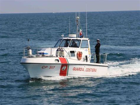 capitaneria di porto grado maltempo salvataggio in mare a grado udine 20