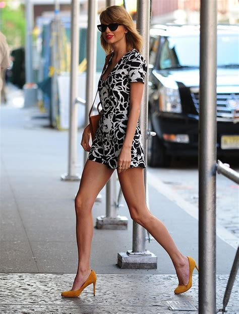 taylor swift outfit ideas street style   york city