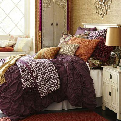 plum colored bedding best 25 plum bedroom ideas on purple bedroom
