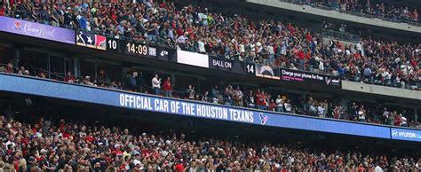 nrg stadium preps  big game  daktronics ribbon displays event services
