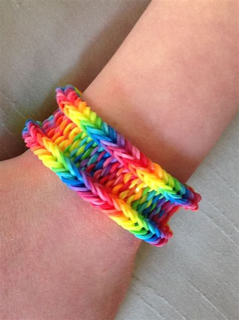 Cool Things To Make With Rubber Bands And Paper - how many rainbow loom bands does it take to make a