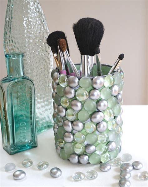 Vase Filler For Makeup Brushes by Diy Makeup Brush Holder From A Tin Can And Vase Filler