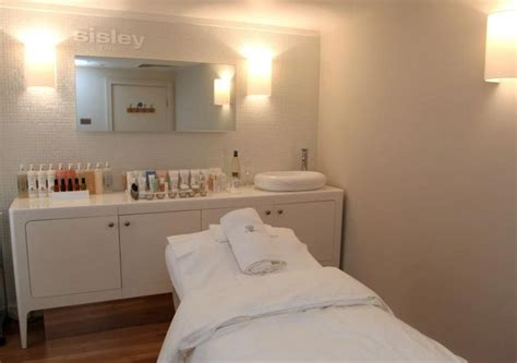 day spa room decorating ideas spa treatment rooms 281 best treatment room ideas images on pinterest beauty