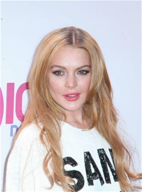 Lohan The Musical by Poll Should Lindsay Lohan Make A Musical Comeback