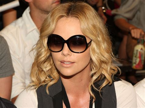 pictures charlize theron hair styles and colors through hair articles from becomegorgeous com