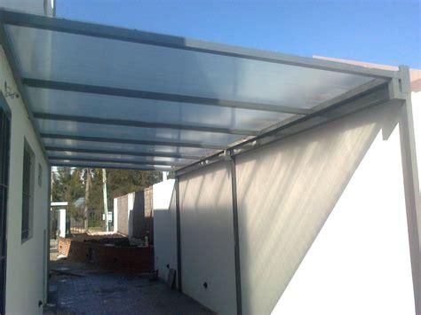 cocheras techadas con policarbonato cochera en hierro y policarbonato alveolar 8mm incolor