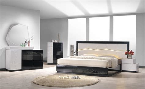 platform bedroom furniture sets raya and modern king size for drivebrakes interalle com modern king size bedroom sets