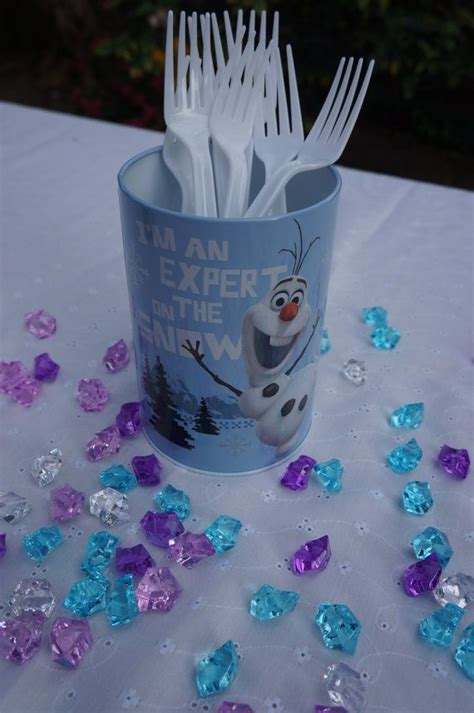 christmas theme frozen ideas images  pinterest birthdays birthday party ideas