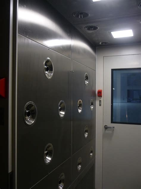 Airlock Shower by Cleanroom Air Shower Moduclean