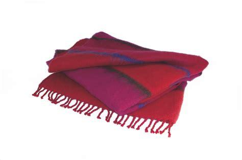 wolldecke rot wolldecke mohair bauhaus serie pink rot werkstatt design