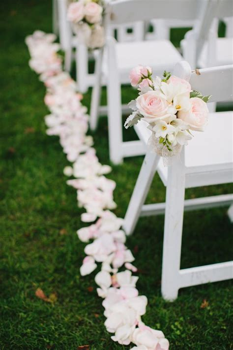 Wedding Aisle Flowers Pictures by The 25 Best Aisle Decorations Ideas On Budget