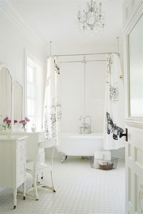 ceilingmountedshowercurtainbathroommodernwithbath