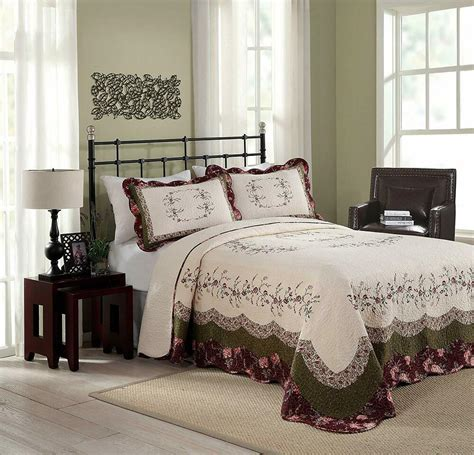beautiful xxl white green purple rose floral quilt