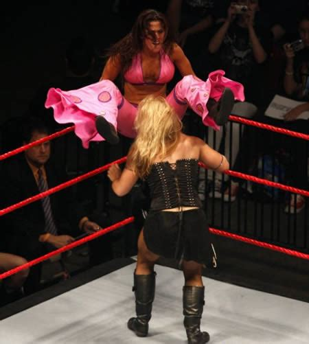 embarrassing wrestling moments 15 most embarrassing moments in wrestling weird pictures