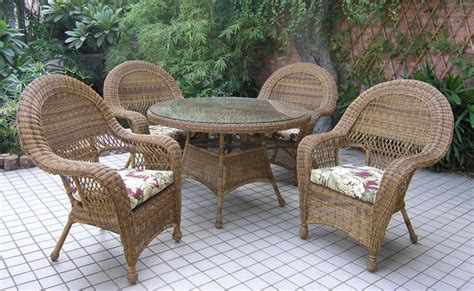 Outside Wicker Furniture by Patio Furniture Plastic Wicker Metal Or Wood The Mose Report