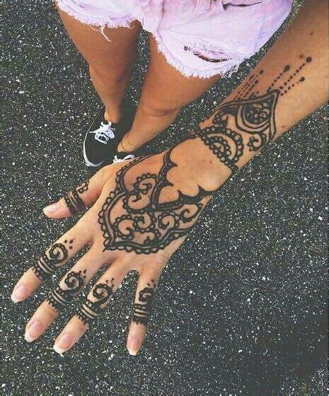 hand tattoo we heart it 24 best henna images on pinterest henna tattoos henna