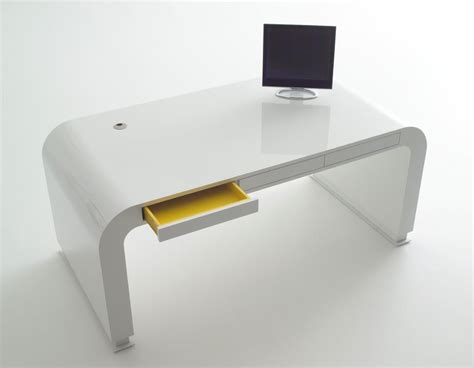 Minimalist Desktop Table by 11 Modern Minimalist Computer Desks