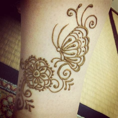 henna tattoo with butterfly butterfly henna mehndi pictures to pin on pinterest