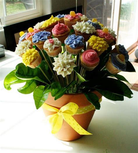 floral arrangement cupcake tutorial flower pot cake bouquet tutorial 550x612 chocolates