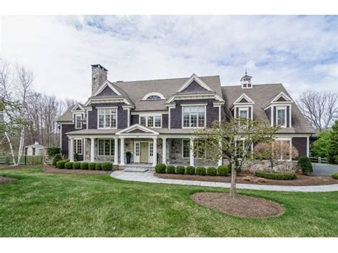 6000 sq ft house west hartford wow house offers more than 6 000 square feet