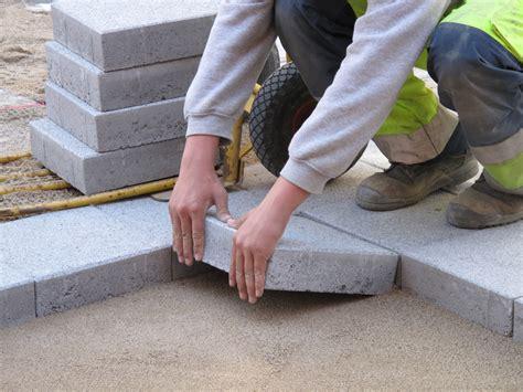 Waschbetonplatten Gewicht 50x50 by Betonplatten Verlegen Schritt F 252 R Schritt Anleitung