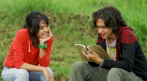 judul film cinta sedih indonesia ini 70 film indonesia terlaris sepanjang masa showbiz