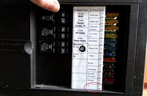 twelve volt rv circuits     wire truck