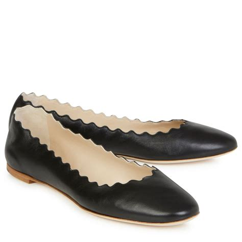 scalloped flats shoes chlo 233 scalloped leather ballet flats in black lyst