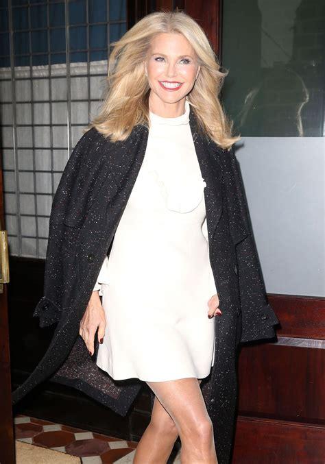 christie brinkley christie brinkley leaves her hotel in new york 11 29 2016