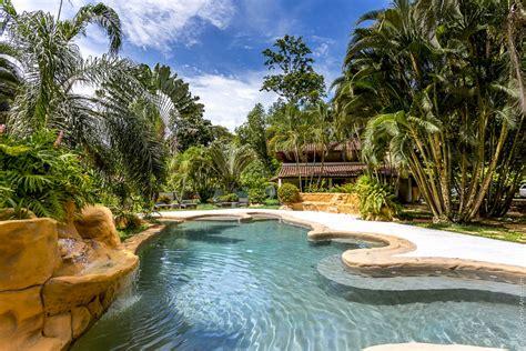 bungalows malu cahuita  caribbeancoastrealty