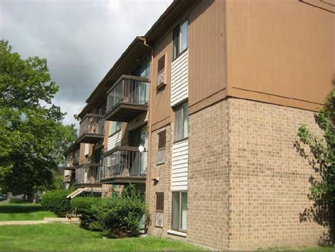 trafalgar square apartments rentals westland mi