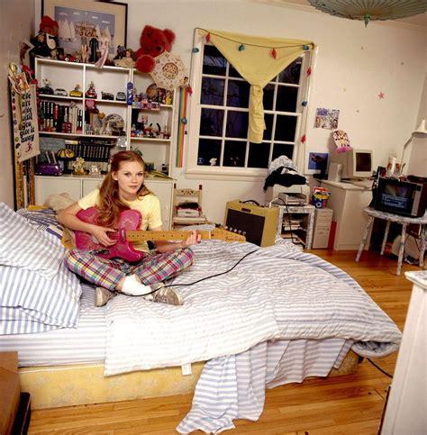 kirsten dunst   bedroom  freeheart babes